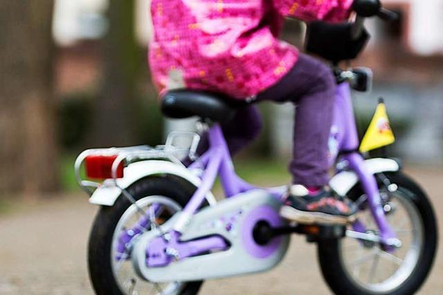 Ein Kleinkind wurde bei einem Unfall in Lörrach leicht verletzt