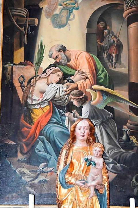 Dramatische Kerkerszene auf dem Seiten...grund eine Marienstatue mit Jesuskind.  | Foto: MAnfred Frietsch