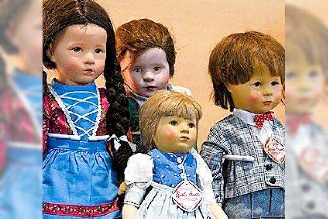 Sammlerbörse: Puppen, Uhren, Postkarten