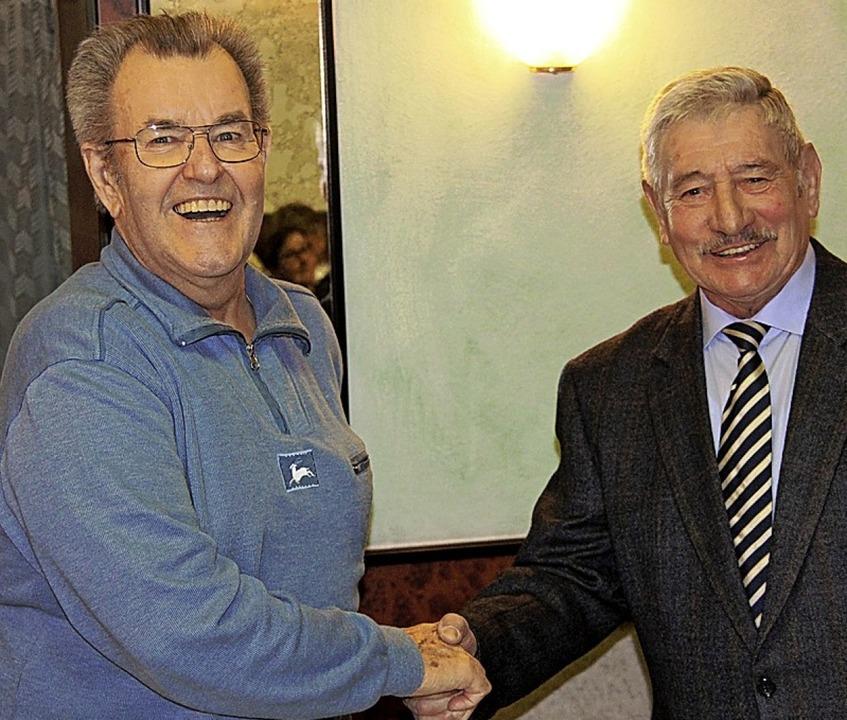 Kreisvorsitzender Dieter Lösch (rechts...des VdK-Verbands Bötzingen-Gottenheim.  | Foto: Horst David