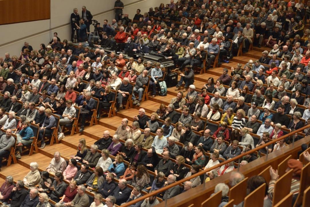 Full House bei der Diskussionsveranstaltung im Konzerthaus.  | Foto: Ingo Schneider