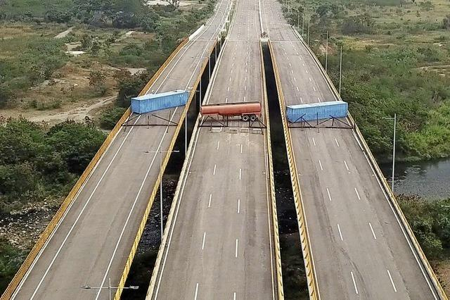 Hilfslieferungen für Venezuela blockiert