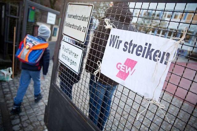 Gewerkschaften dehnen Warnstreiks im öffentlichen Dienst aus