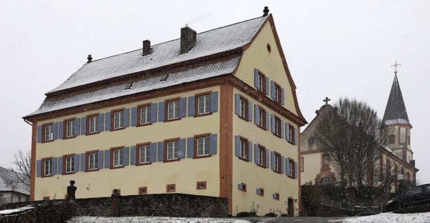 Pfarrhaus und Kirche heute   | Foto: Christoph Breithaupt