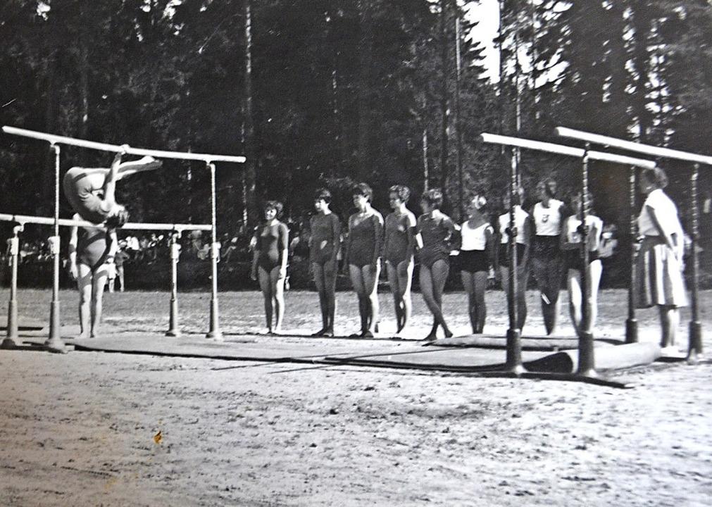 Waldfest mit Turnwettkämpfen des TuS 1961   | Foto: Repro: Liane Schilling