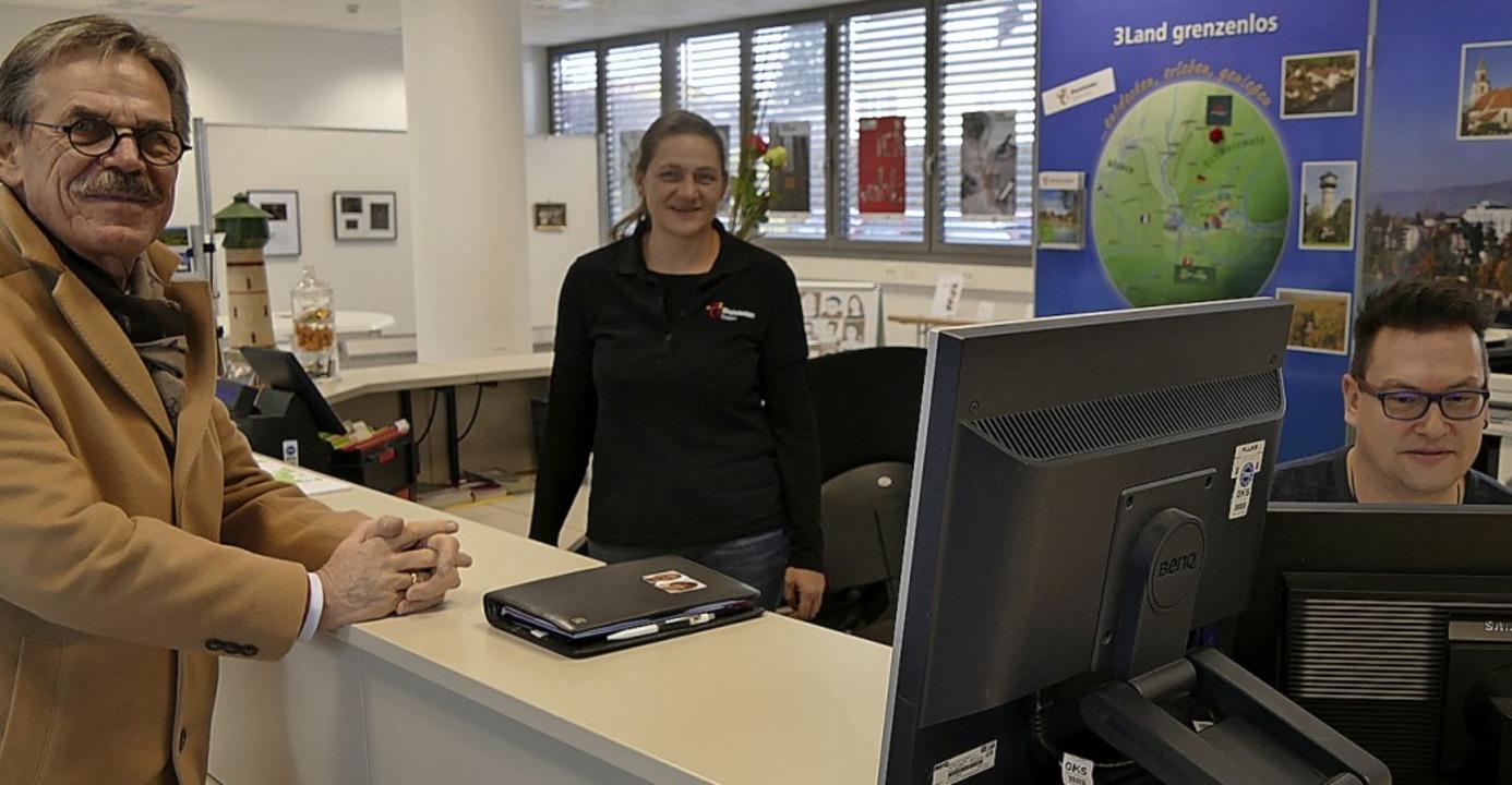 Leiterin Corinna Steinkopf (Mitte) fre... einen Anstieg bei den Übernachtungen.  | Foto: Ingrid Böhm-Jacob