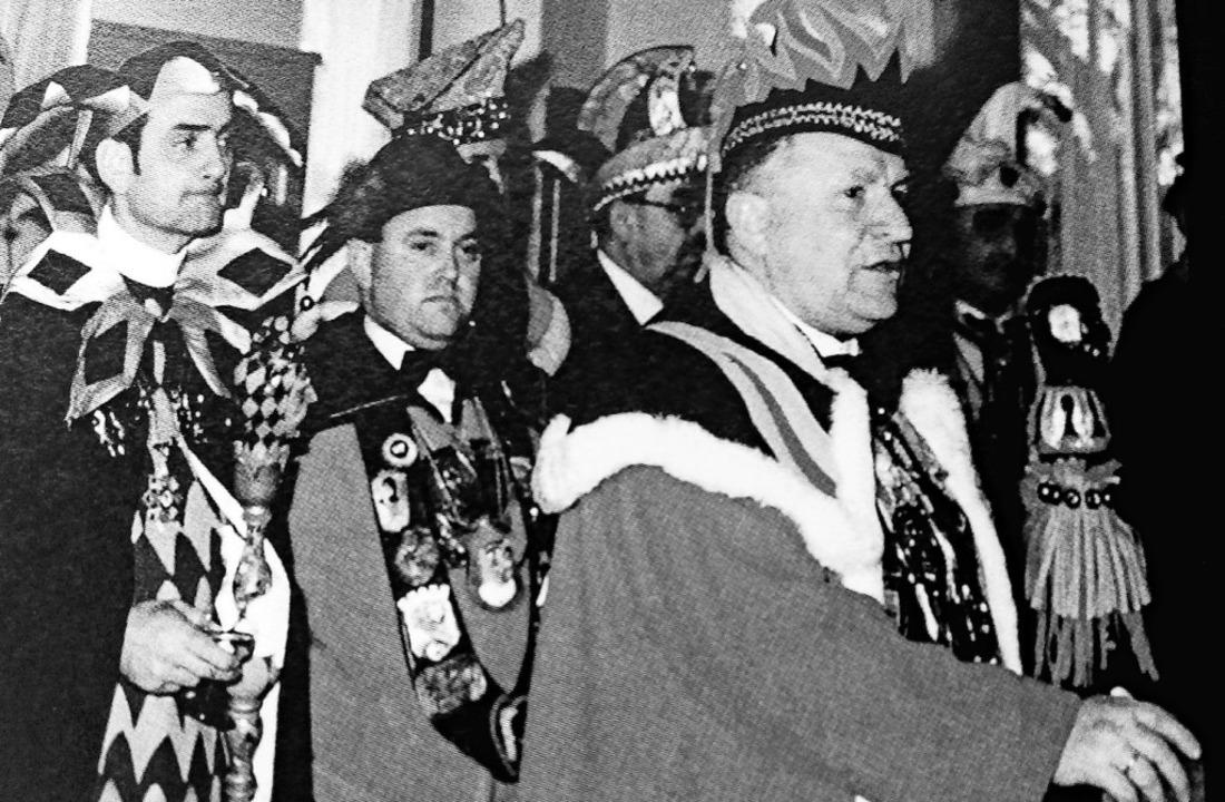 Die Narrenvögte von Waldkirch, Gutach ...beim ersten Dreiertreffen (von links)     Foto: Archiv Narrenzunft Kollnau