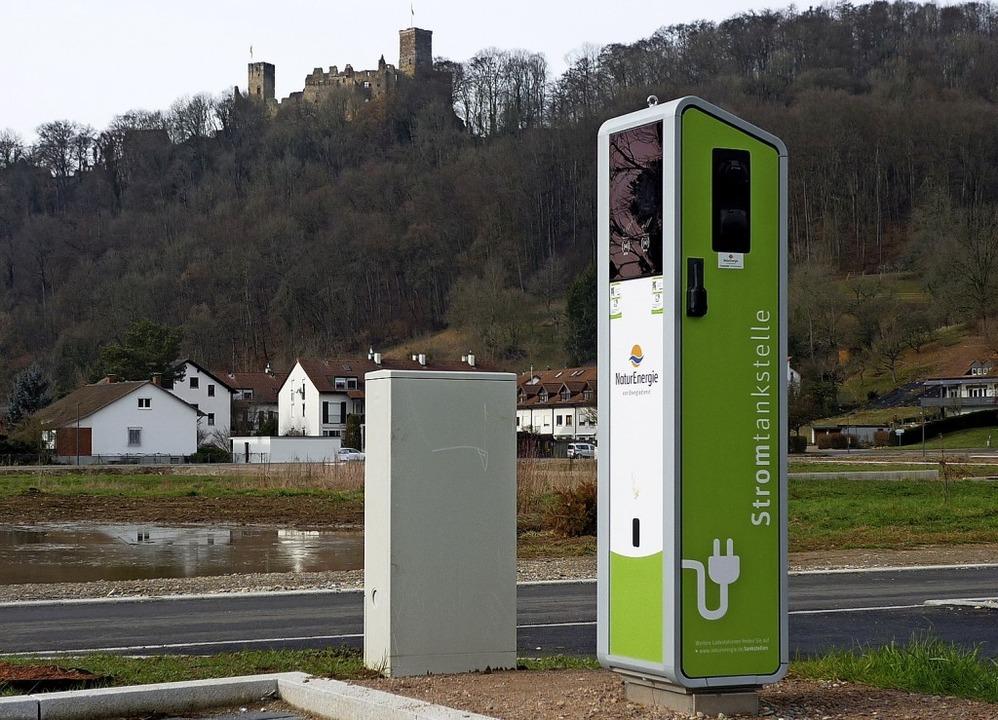 Elektromobilität soll gefördert werden...eht schon eine Stromtankstelle parat.   | Foto: Thomas Loisl Mink