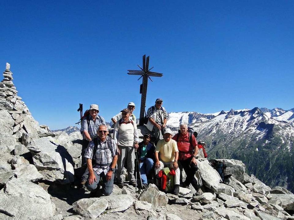 Stolze Gipfelstürmereien durch den Sch...ich die Ortsgruppe demnächst auflösen.  | Foto: privat