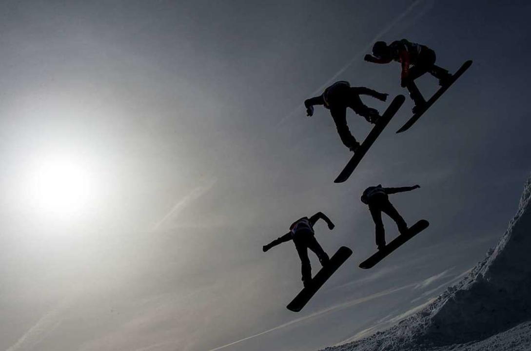 Am Samstag konnten die Snowboarder noc...ar es dafür zu stürmisch (Archivfoto).  | Foto: dpa