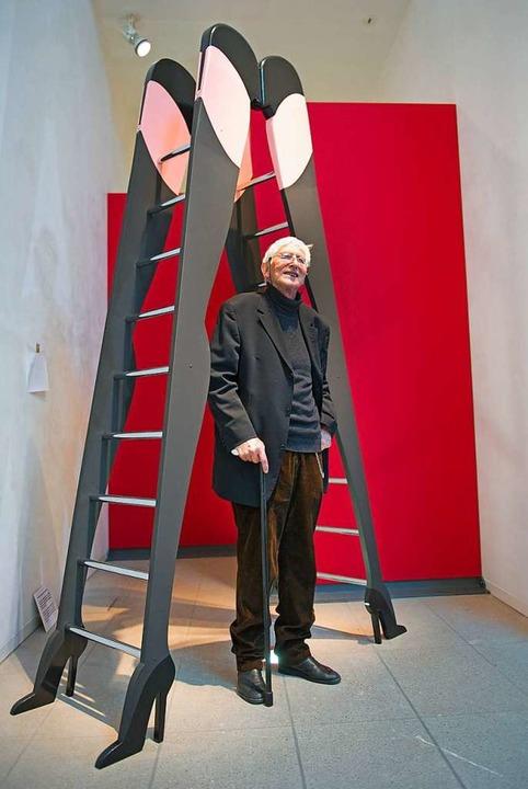 Ungerer bei der Ausstellung einiger seiner Werke in Schwäbisch Hall  | Foto: dpa