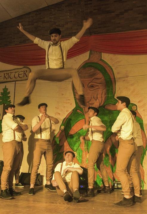 Die Dancing Carrots  kopierten John Tr...Namen ihn ihrer Bühnenshow verblassen.  | Foto: Olaf Michel