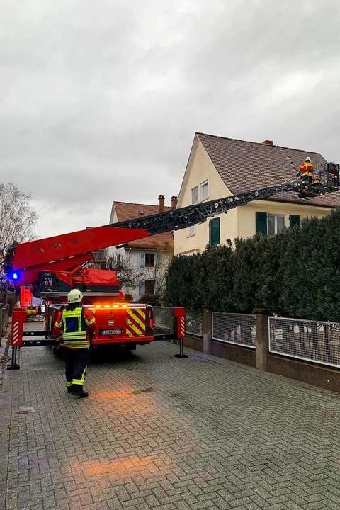 Mehrere Stunden war die Feuerwehr in Weil am Rhein am Sonntag im Einsatz.  | Foto: Zur Verfügung gestellt