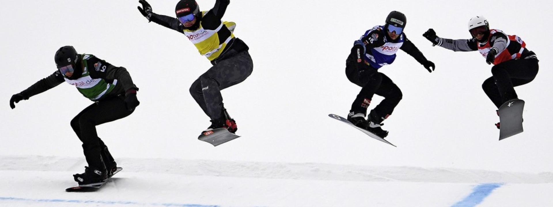 Drei Flugpassagen müssen die Snowboard... Spezialpiste am Feldberg bewältigen.   | Foto: DPA (Patrick Seeger)