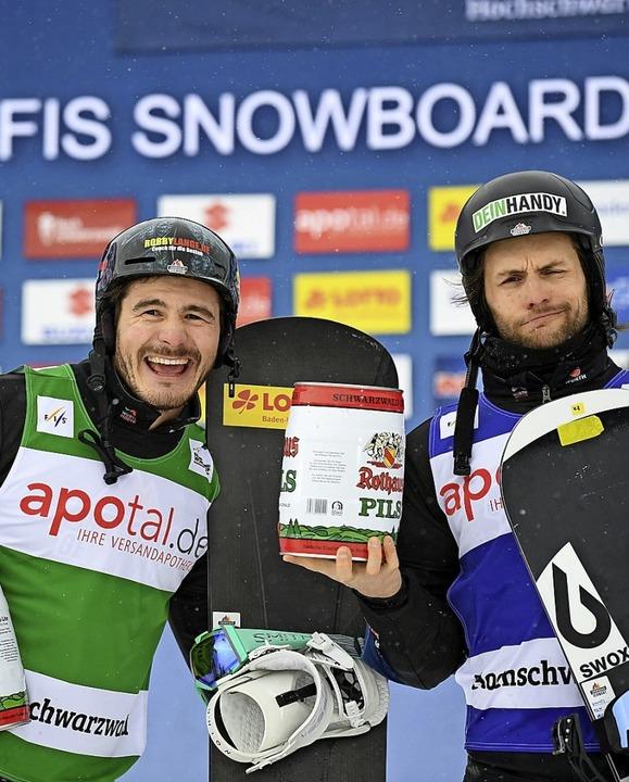 Paul Berg (links) und Konstantin Schad...osser, fahren am Feldberg aufs Podest.  | Foto: dpa