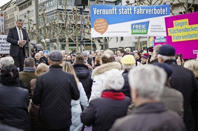 Gegner des Dieselfahrverbots demonstrieren in Stuttgart