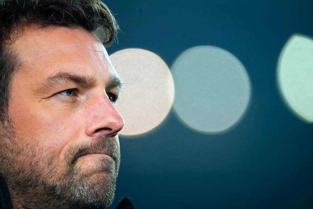 Markus Weinzierl bleibt.    Foto: dpa