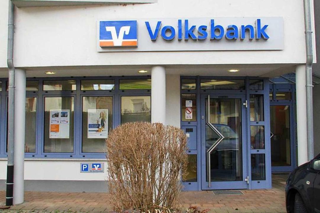 Ab März wird die Volksbank-Filiale in Neuershausen komplett geschlossen sein.  | Foto: Mario Schöneberg