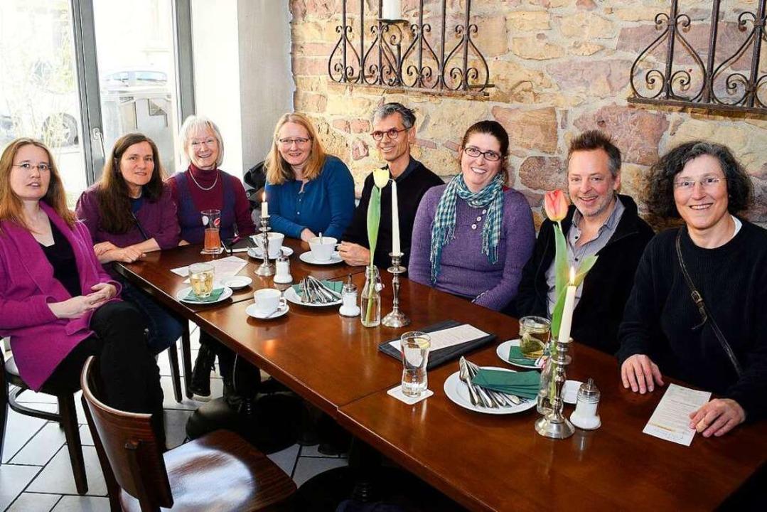 Gemeinsame Mittagspause: Die Freelance...11; und freuen sich über  Austausch.    | Foto: Thomas Kunz