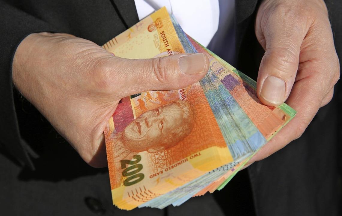 Haufenweise Banknoten gingen als Beste...chenke an Politiker und Staatsbeamte.   | Foto: Stock.adobe.Com