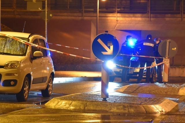 Grenzach-Wyhlen: Fußgänger sticht Autofahrer in den Hals