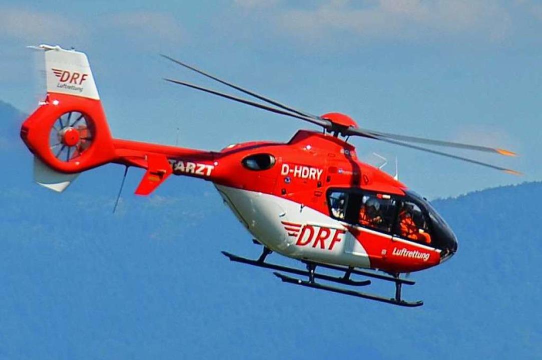 Mit einem Rettungshubschrauber ist das...ie Uniklinik Freiburg geflogen worden.    Foto: Ralf Burgmaier