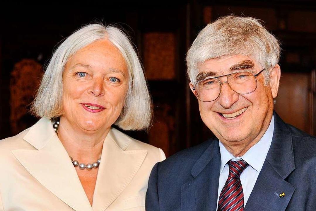 Margret und Rolf Böhme bei einem Empfang zu seinem 75. Geburtstag im Jahre 2009.  | Foto: Ingo Schneider