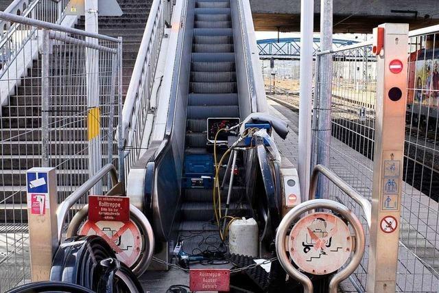 Die dauerdefekte Rolltreppe am Freiburger Hauptbahnhof läuft wieder