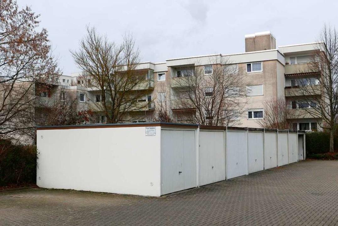 Wurde auf einem kontaminierten Fabrikg...chtet: Die Bad Krozinger Parksiedlung.  | Foto: Hans-Peter Müller