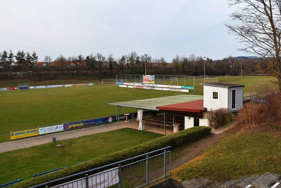 Der FC Denzlingen zahlt keine Pacht fü...offenbar nicht mehr aus eigener Kraft.  | Foto: Michael Maier