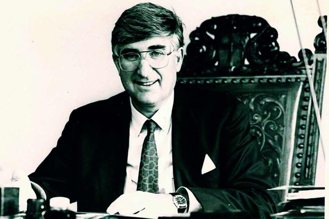 Rolf Böhme im Amtszimmer: Von 1982 bis... war er Oberbürgermeister von Freiburg  | Foto: Heinz Wurzer