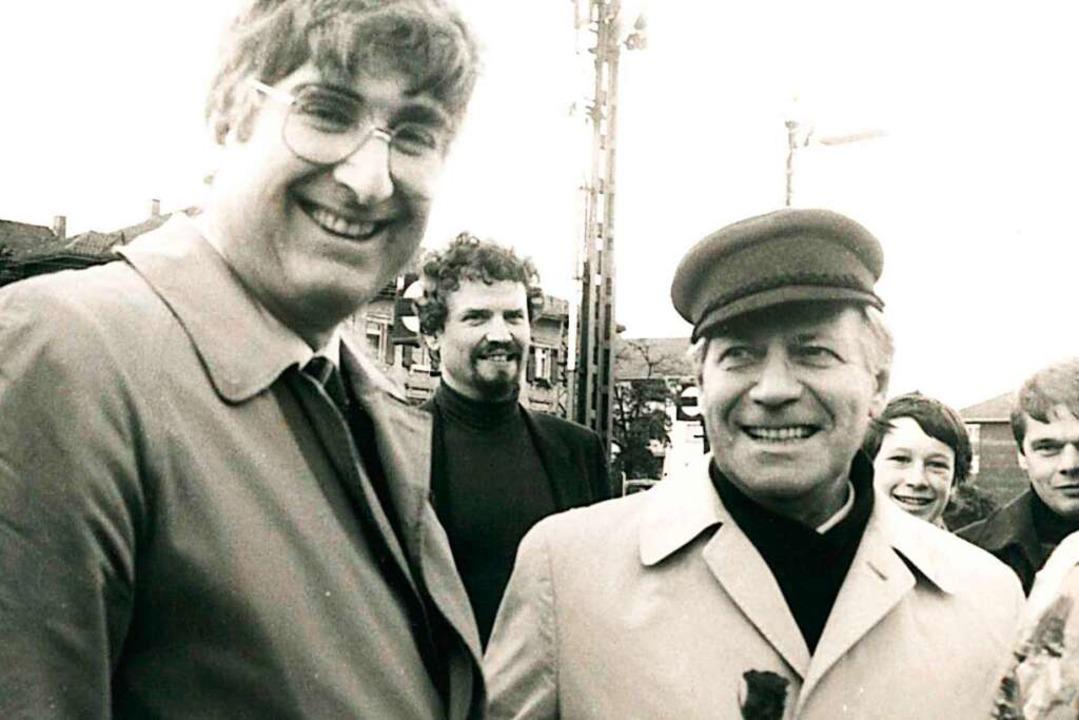 Rolf Böhme und Helmut Schmidt während des OB-Wahlkampfs 1982.  | Foto: Heinz Wurzer