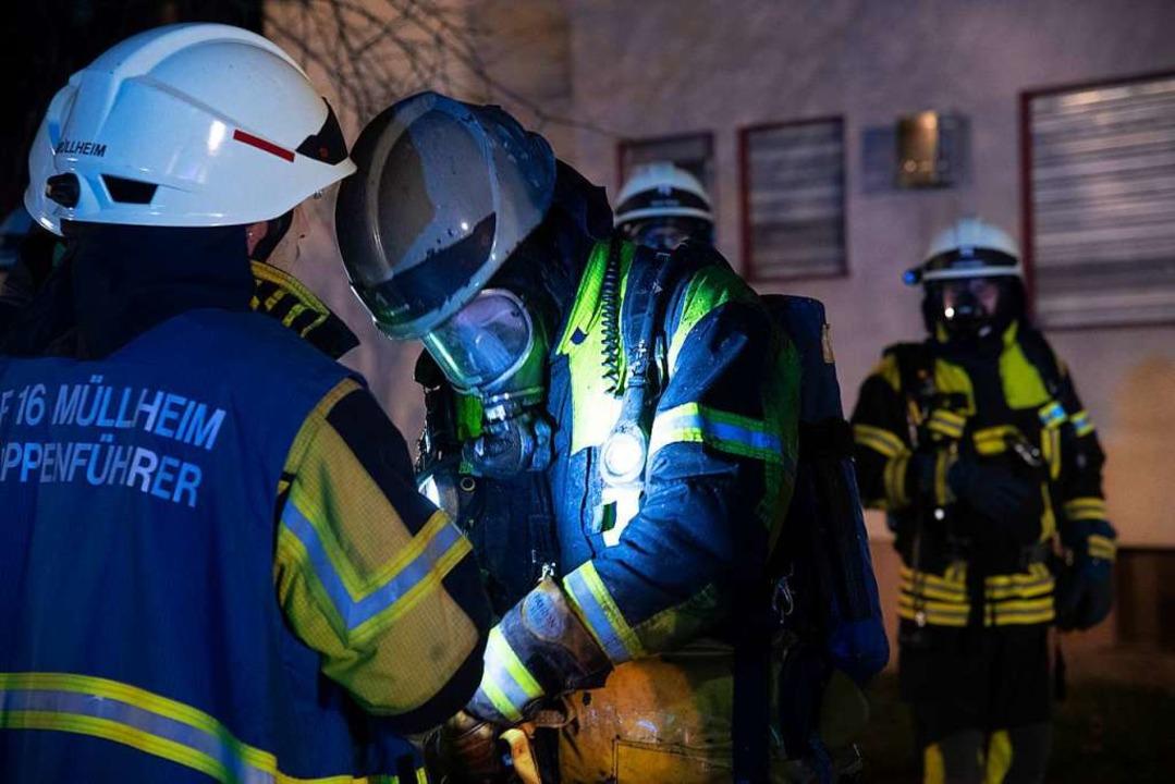 Atemschutzgeräteträger der Müllheimer Feuerwehr im Einsatz  | Foto: Volker Münch