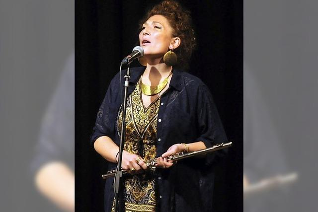 Rebekka Salomea Ziegler gastiert mit ihrer Band Salomea in Lahr