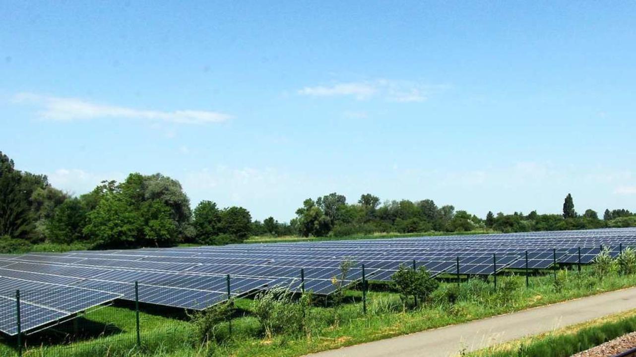Das sonnige Südbaden bietet gute  Vora...gt sich auch beim Solarpark Vogtsburg.  | Foto: Herbert Trogus
