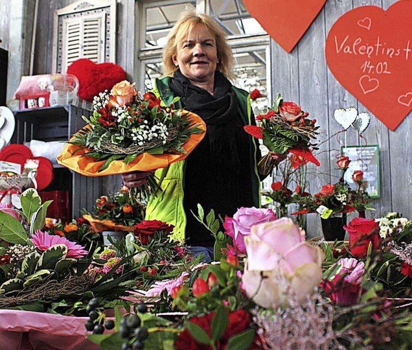 Alle Hände voll zu tun haben derzeit d...für den Valentinstag gerüstet zu sein.  | Foto: Gabriele Fässler