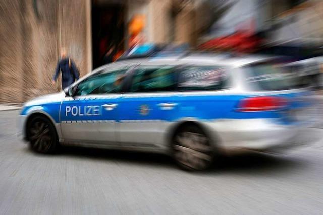 Polizei überwacht Geschwindigkeit auf der A98 bei Lörrach-Ost