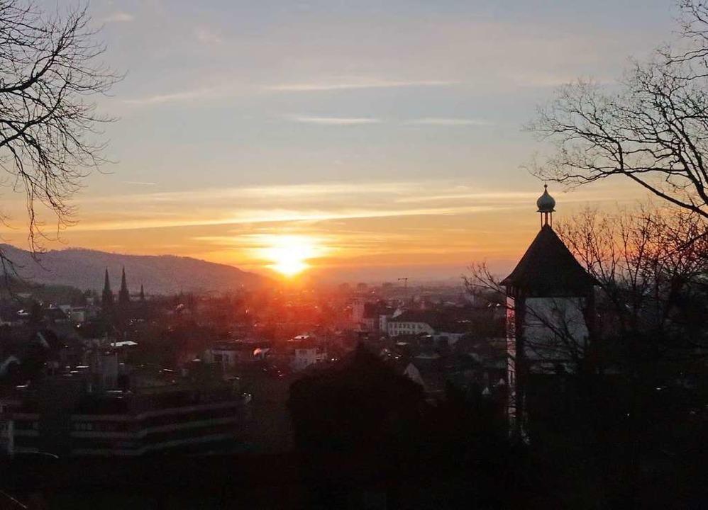 Freiburg im Abendlicht.    Foto: Bernd Wehrle