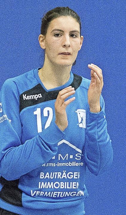 <BZ-FotoAnlauf>Handball:</BZ-FotoAnlau... Gregori häufiger hinter sich greifen.  | Foto: vfma