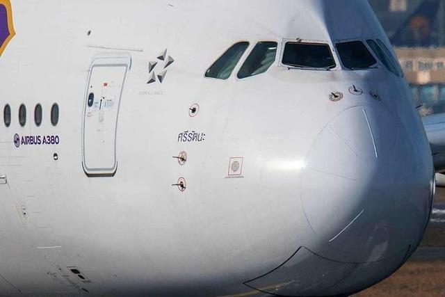 Wie viele Menschen passen in ein Flugzeug?