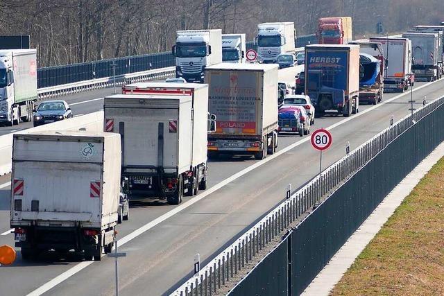 Autofahrer müssen mit langen Staus auf der A5 rechnen