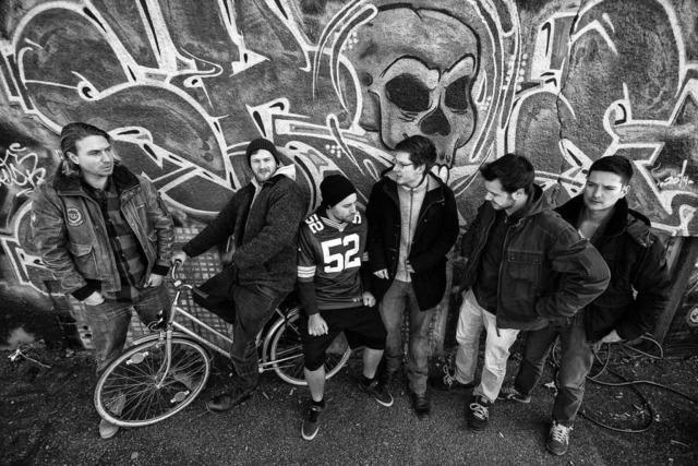 Im neuen Musikvideo der Freiburger Band Qult geht es um Geld oder Liebe