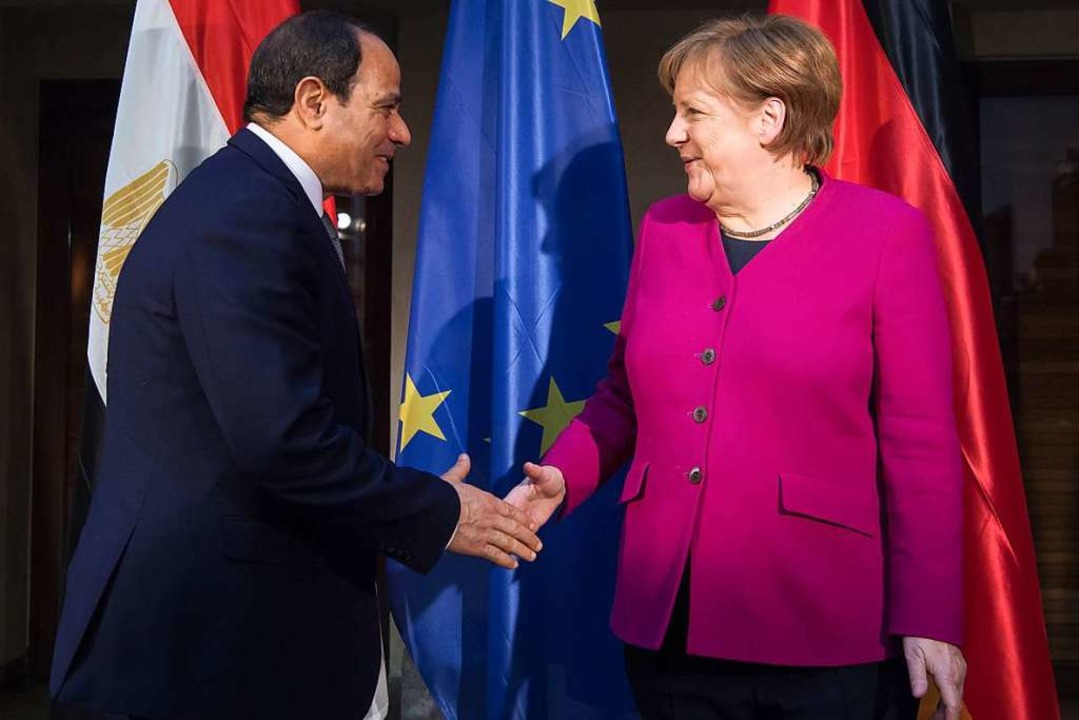 Bundeskanzlerin Angela Merkel (CDU) un...zum Thema Sicherheitspolitik erwartet.  | Foto: dpa