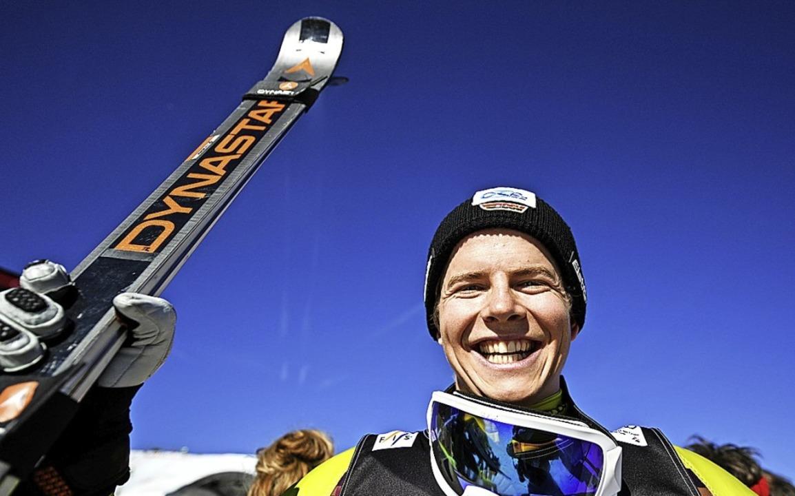 Skicrosser Florian Wilmsmann strahlt vor Glück.     Foto:  DPA