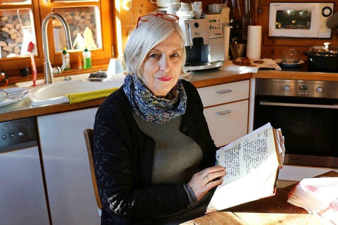 Flora Jägler liebt das Schöne.  Überli... für ihre drei Kinder große Geschenke.    Foto: Gudrun Deinzer