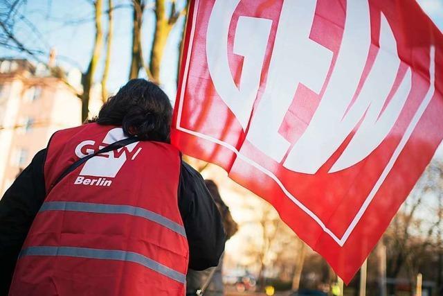 Angestellte Lehrer kündigen Warnstreiks in südbadischen Schulen an