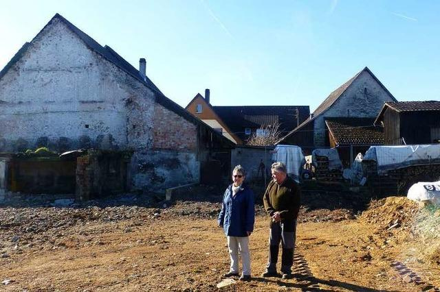 Der Wiederaufbau ist schwer nach dem Großbrand in Hüsingen