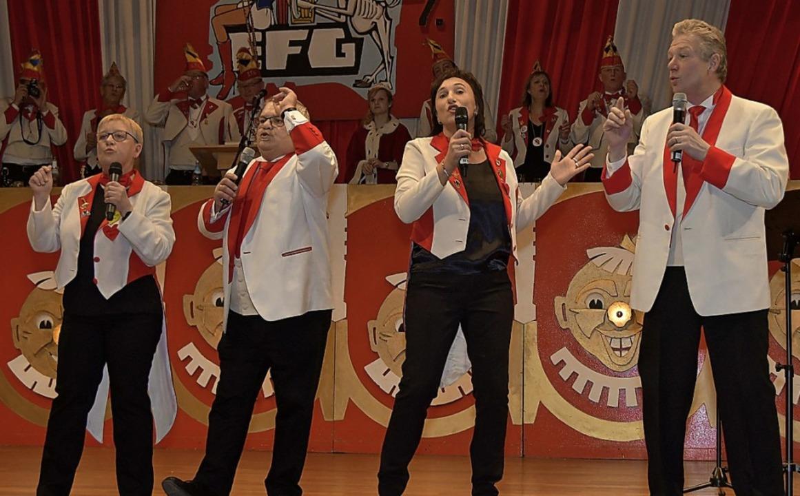 Die EFG-Herzbuben boten auf der Bühne Herzkino.   | Foto: Dieter Erggelet