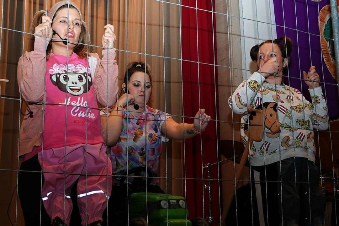 Die Akteure kitzelten beim Zunftabend ...muskeln und sorgten für gute Stimmung.    Foto: Hans Jürgen Hege
