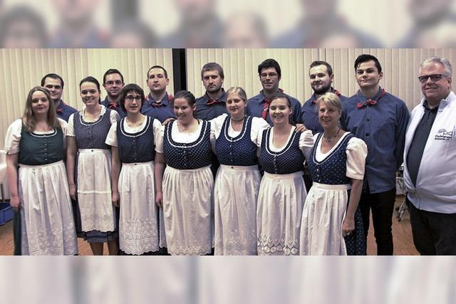 Tanz in Tracht als Tradition